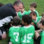 4 razones por las que ser monitor de fútbol base